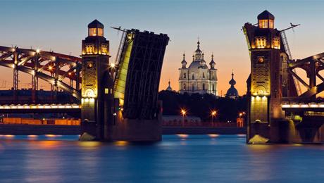 Guía turística por San Petersburgo. Visitas guiadas en español en su viaje a Rusia!